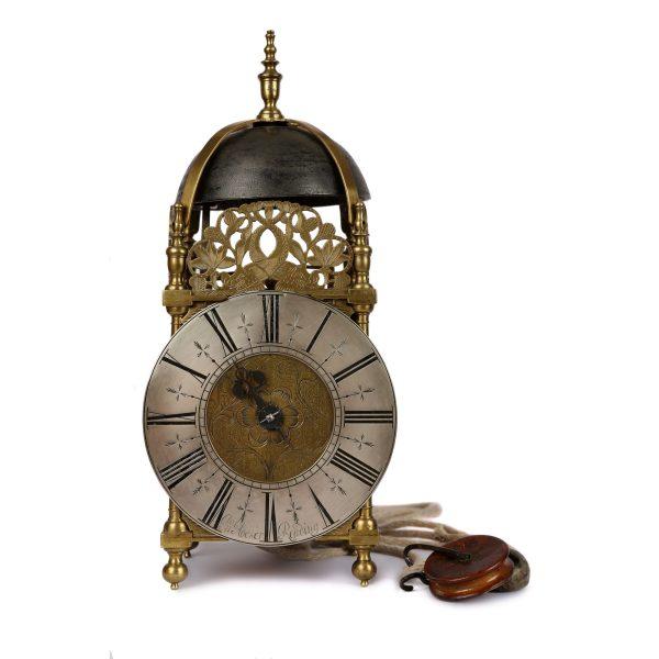 Hocker-Reading-lantern-wall-clock